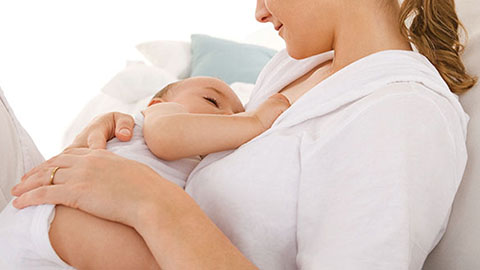 La lactancia protege a las madres de infartos cerebrales