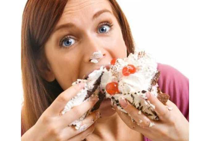 Ingerir comida muy rápido puede dañar la salud